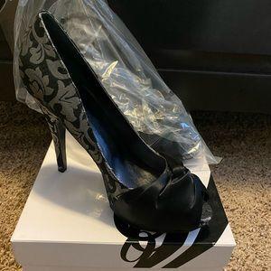 Nine West black and silver heels